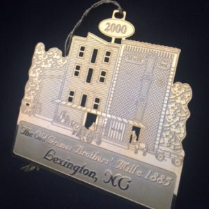 2000-uptown-lexington-christmas-ornament